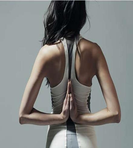 能背心帮你矫正普拉提姿势图片